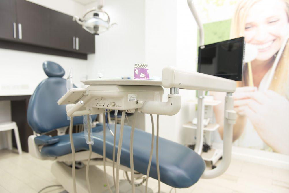 Smile Makeover Dental Aesthetics & Implant Center
